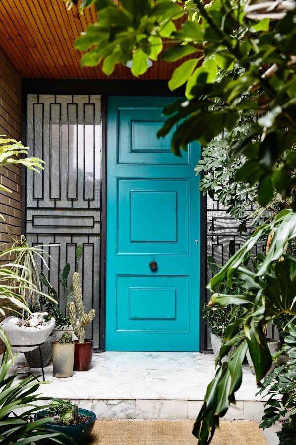 درب آبی رنگ