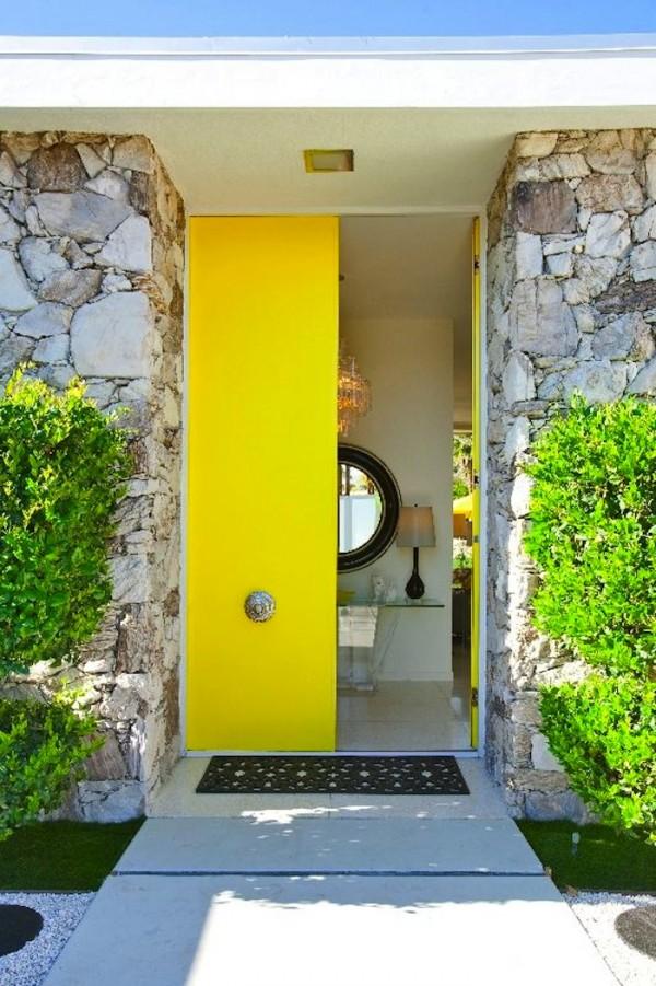 درب زرد رنگ
