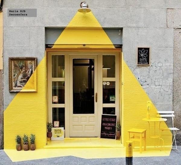 درب و نقاشی خیابانی